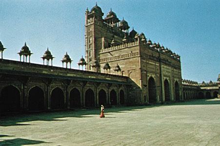 بلند دروازه