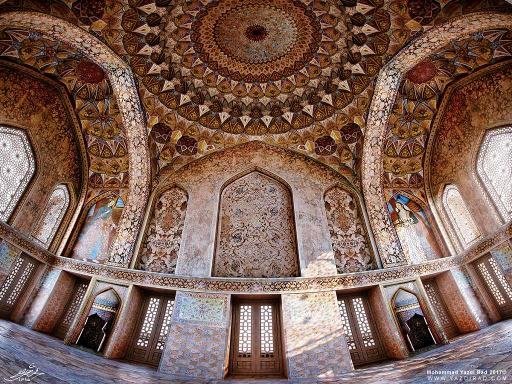 بازطراحی فضای داخلی کاخ آیینه خانه اصفهان